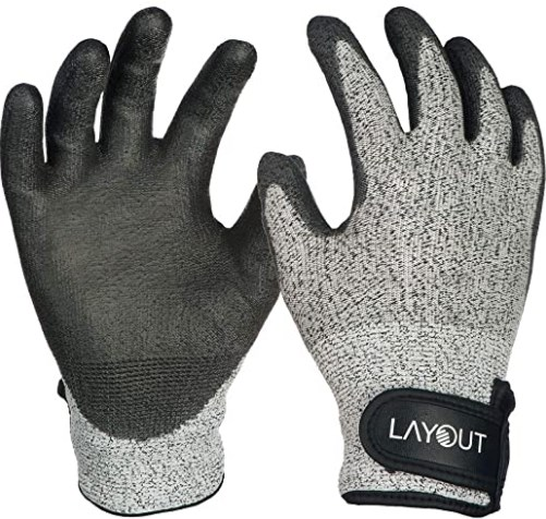 6. Layout Lite Ultimate Frisbee Gloves 2 Pack - Seamless Design
