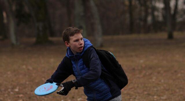 Best Ultimate Frisbee Gloves